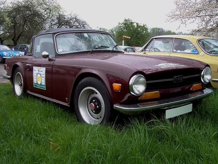 TRIUMPH_TR6_Convertible__2_
