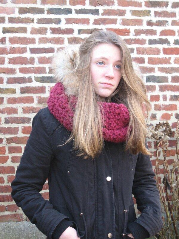 snood-point-granite-crochet