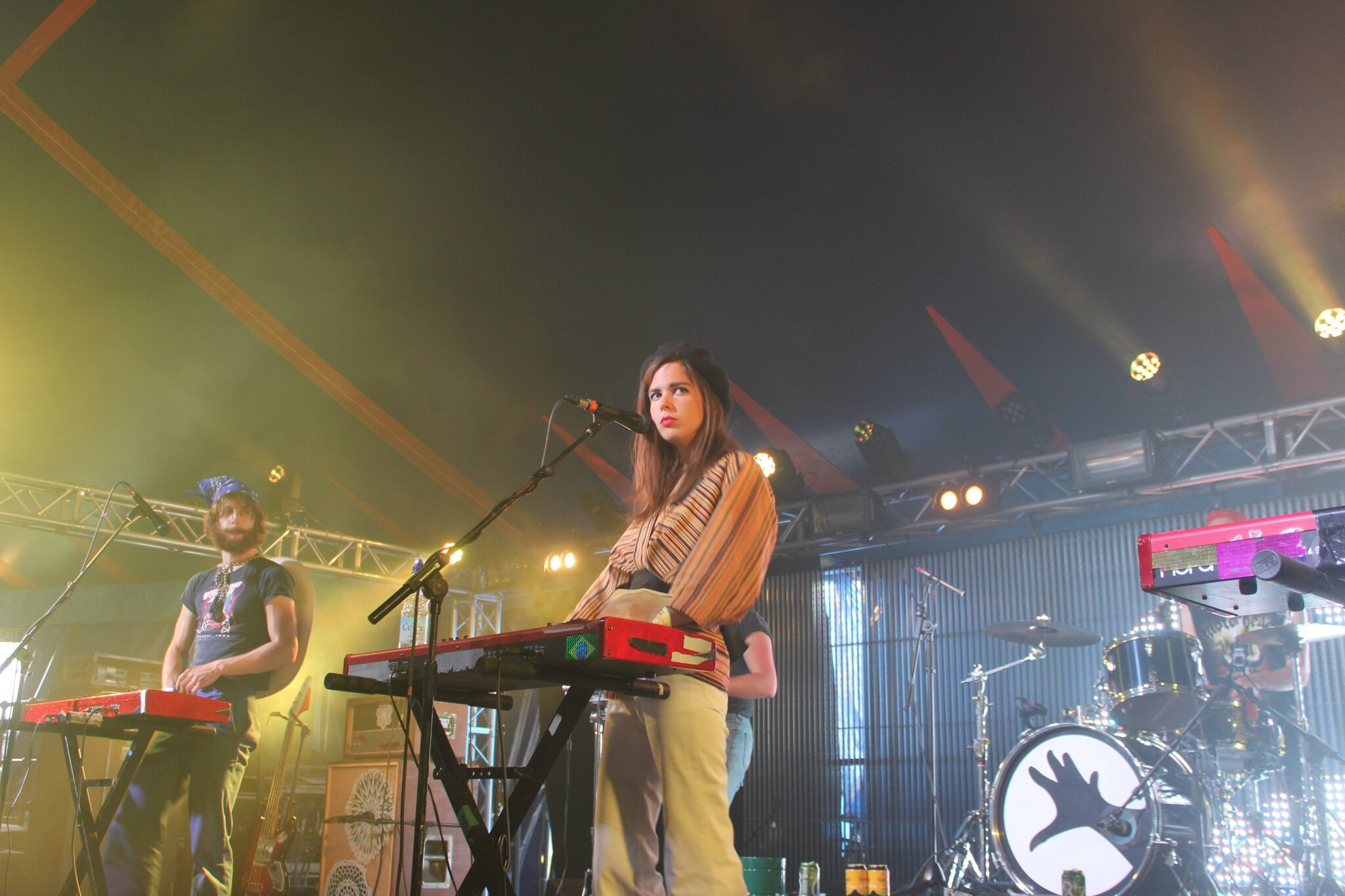 La Femme enflamme William's Green / Glastonbury festival 2015