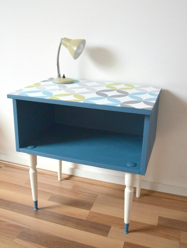 table de chevet bleu canard 45 €jpg