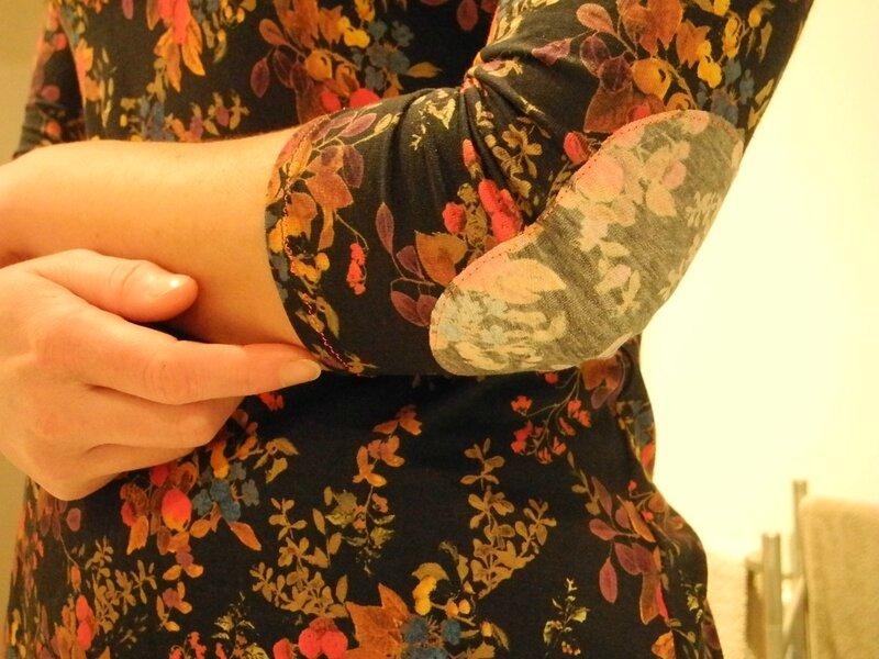 T-shirt Plantain DEER&DOE - Tissu BARAKOSSA Jersey Noir Fleuri