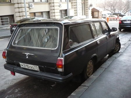GAZ_Volga_3110_break_Moscou__2_