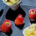 Roulés de saumon gravlax fumé au thé, salsa d'orange péi et d'avocat