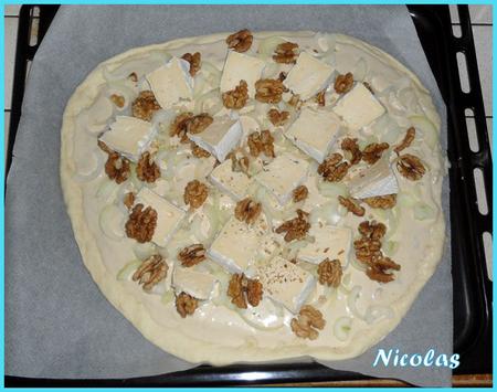 Pizza oignon gorgonzola mottin et noix par nico -- 2