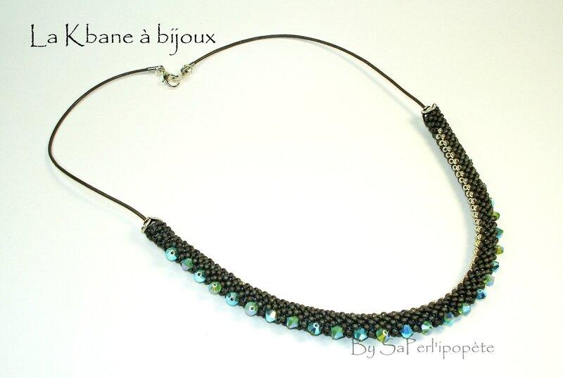 collier tour de cou cuir marron et crochet rocailles11 avec toupies cristal swaro 4mm4