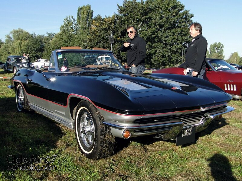 chevrolet-corvette-sting-ray-convertible-1963-01