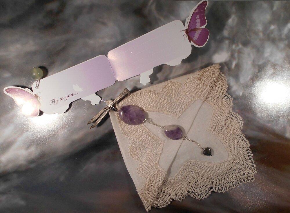 9 Marque-page à vos mouchoirs en jade, améthiste et pyrite ouvert - 36 €