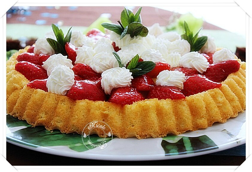 Tarte génoise aux fraises.....