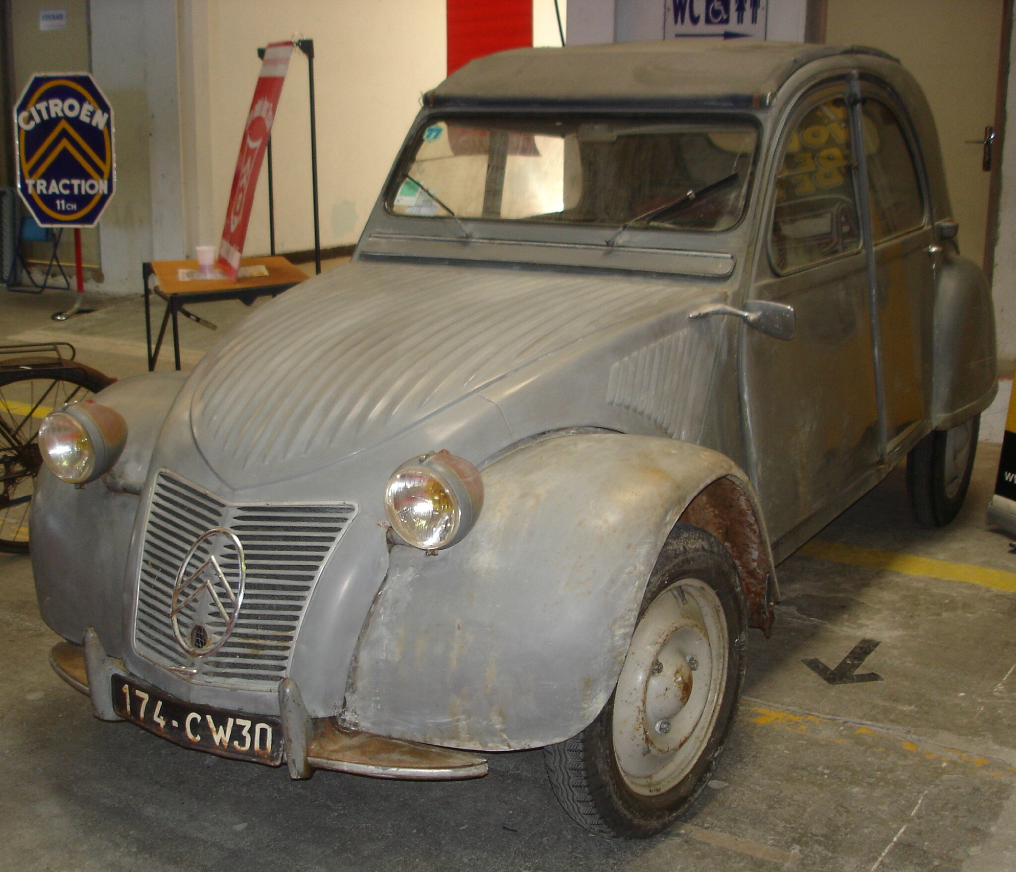la 2cv a 1953 de michel l 2 cv capots ondul s. Black Bedroom Furniture Sets. Home Design Ideas