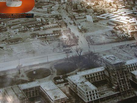 Expo_Place_HdV_trams_dans_les_ruines_bis