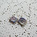 BO carrées avec empreintes fleuries 3 €