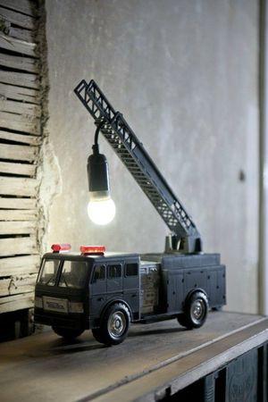 camion-grua-lampara-infantil-500x750
