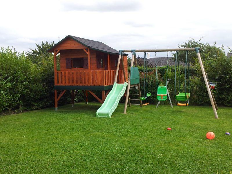 cabane de colleen et owen cabane enfants avec des palettes en bois. Black Bedroom Furniture Sets. Home Design Ideas
