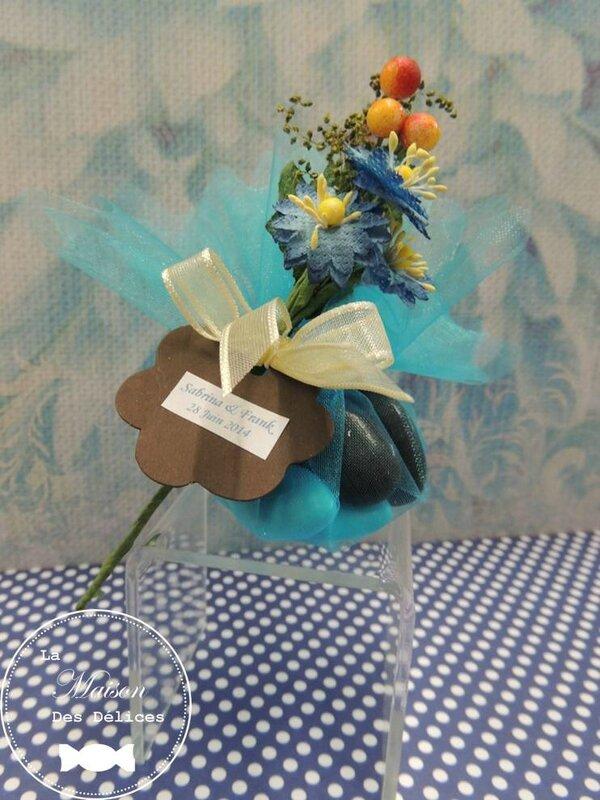 piquet fleur bleuet theme rustique decoration tulle pochon ballotin dragees mariage bapteme accessoire sujet deco