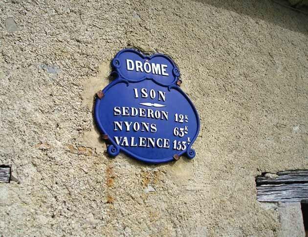 Les écoles, Izon-la-Bruisse (1ère section)