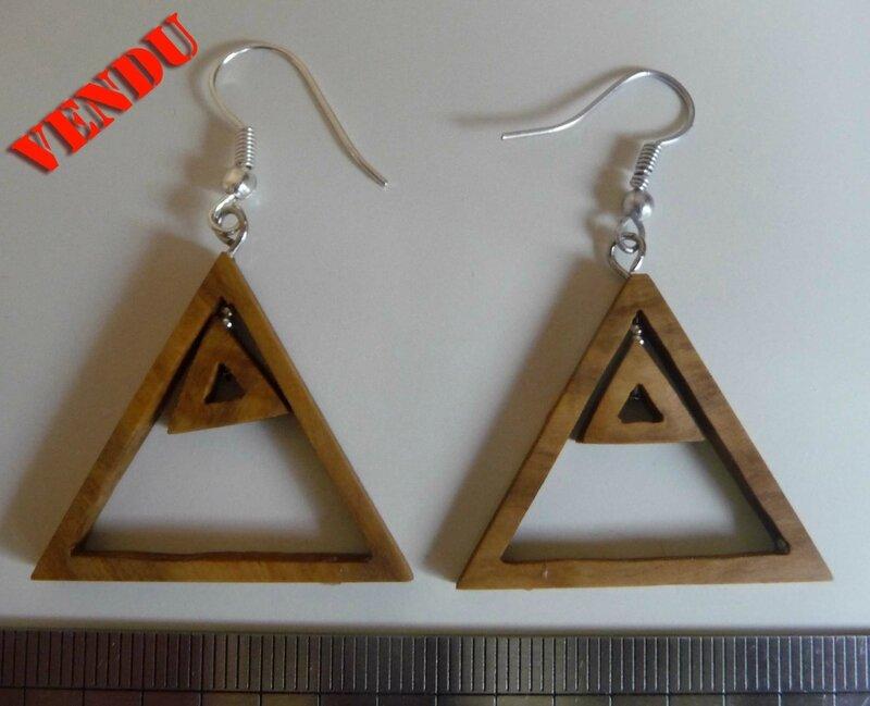 Boucles doubles triangles vendu