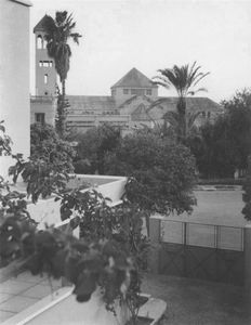 195704-6-Mrk-l'glise vue de la terrasse