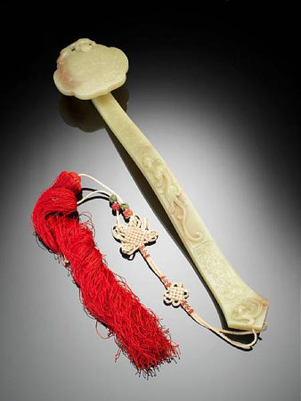 A_very_fine_yellow_jade_ruyi_sceptre2