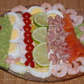 entre colore, crevettes ,,rillettes de thon,avocat ...