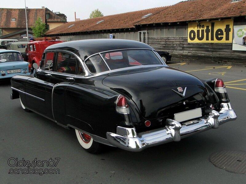 cadillac-sedan-1951-02