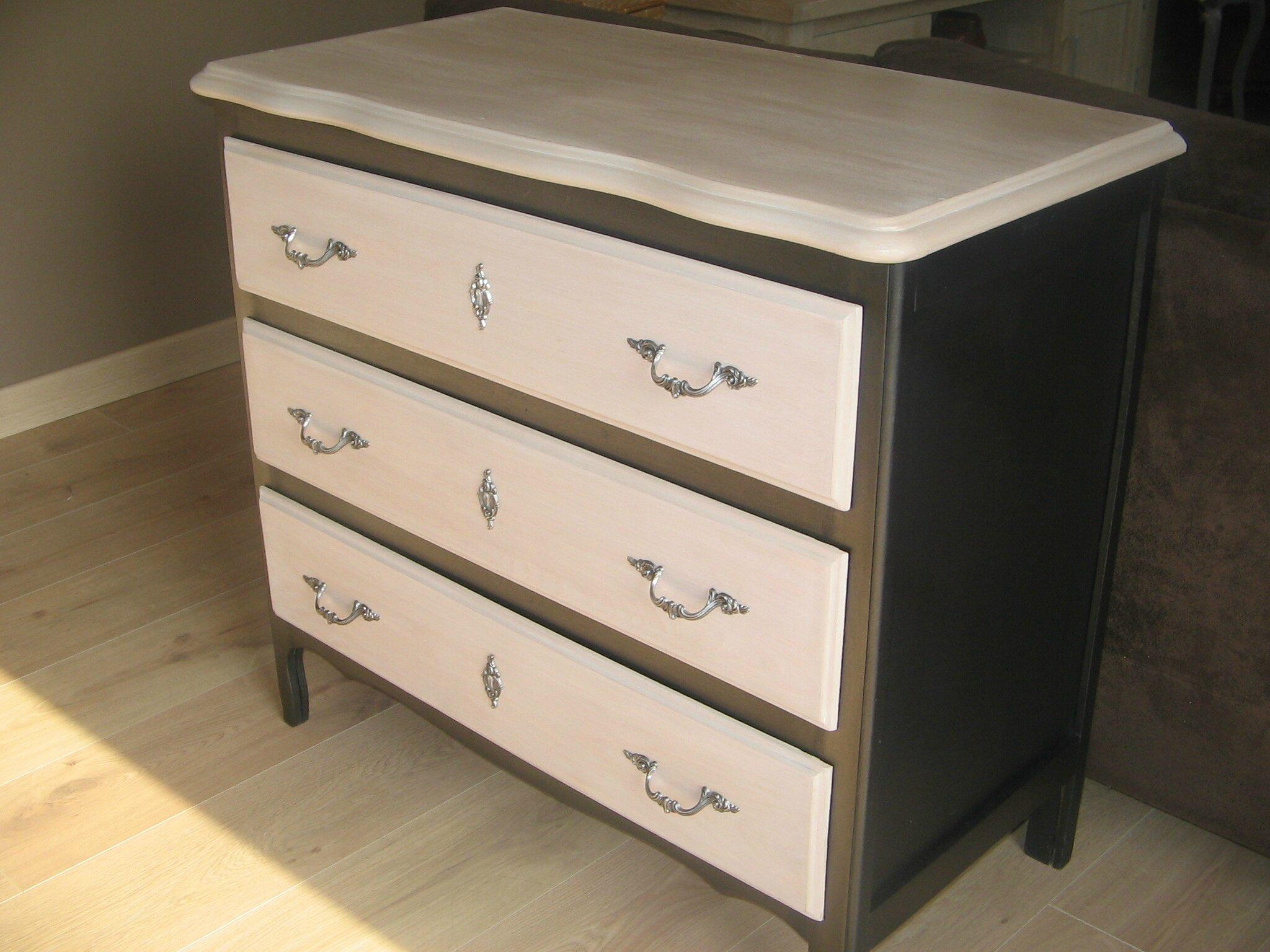 relooking de meubles nadr nov. Black Bedroom Furniture Sets. Home Design Ideas
