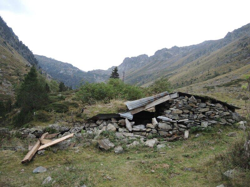 Refuge de la Glère, vallée de la Glère, ancienne cabane de berger