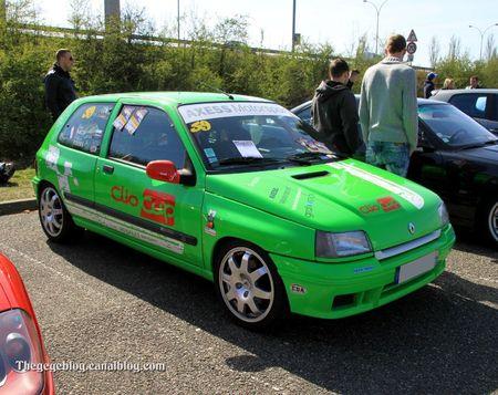 Renault clio cup (Rencard de la Vigie avril 2012) 01