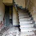 5-Ambiance (escalier) ferme chateau abandonn_7916