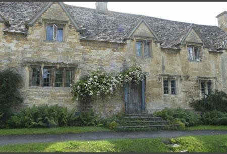 Le charme anglais grange de charme for Jardin de cottage anglais