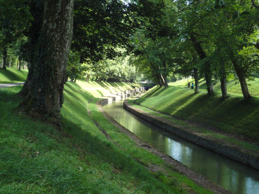 pouilly en auxois sommet du canal de bourgogne jusqu 39 dijon deneb l 39 yonne et le canal de. Black Bedroom Furniture Sets. Home Design Ideas