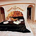 jayne_pink_palace-inside-bedroom-by_allan_grant-3