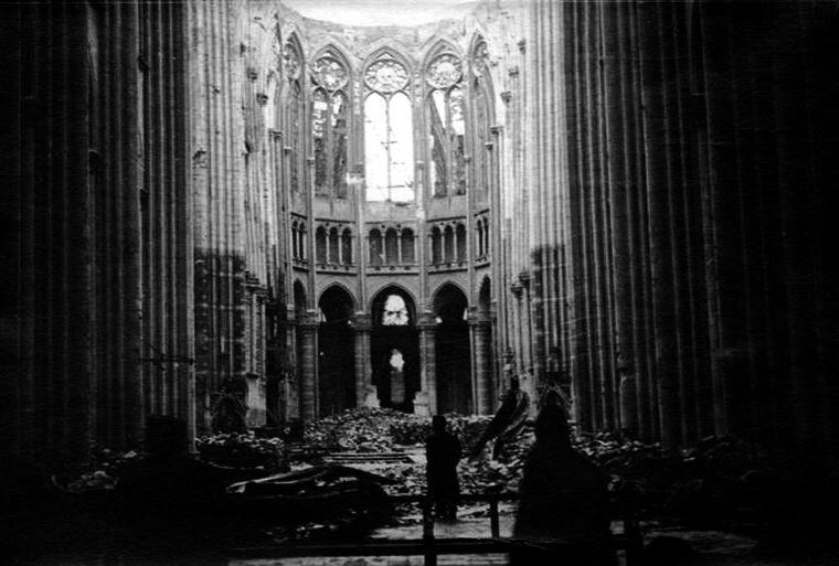Basilique St Quentin int 1918