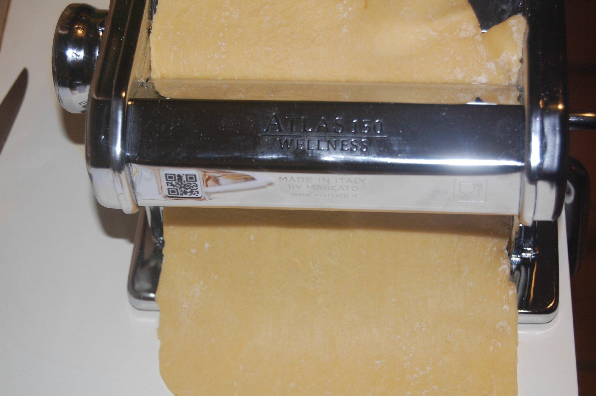Tester sa machine à pasta en préparant des lasagnes aux légumes d'hiver