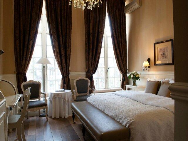 Room1_AT_THE_De_Tuilerieen