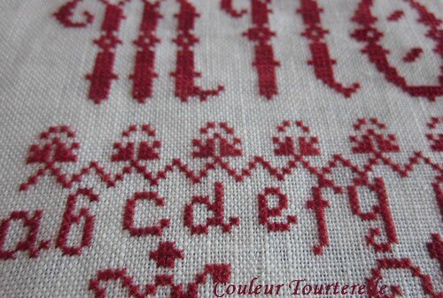 Ersilia's Sampler Attic - Couleur Tourterelle 1 4