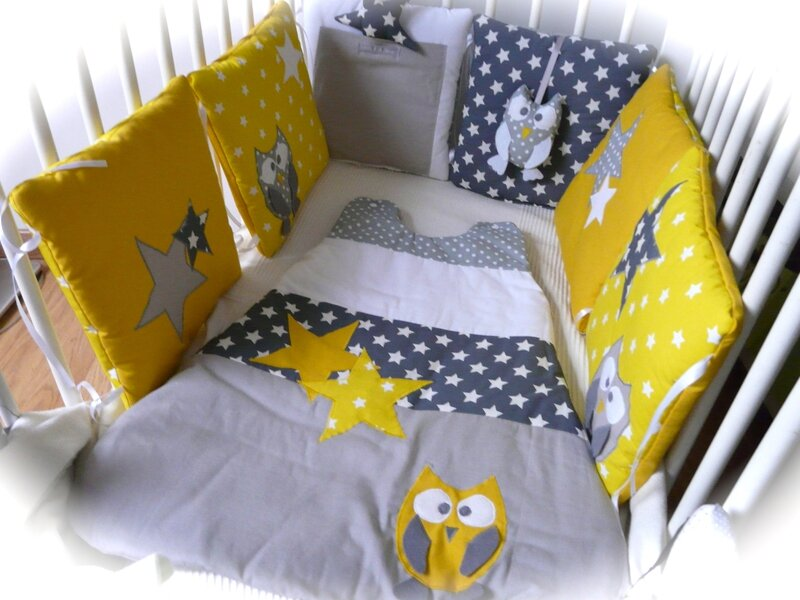 des chouettes et des toiles en gris et jaune poussin little fish shop. Black Bedroom Furniture Sets. Home Design Ideas