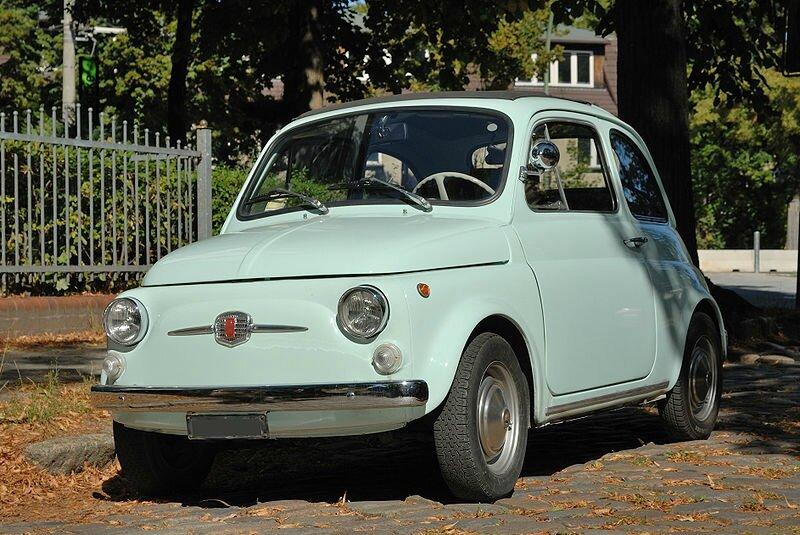 800px-Fiat_500_F_Berlina_in_Berlin_(2009)