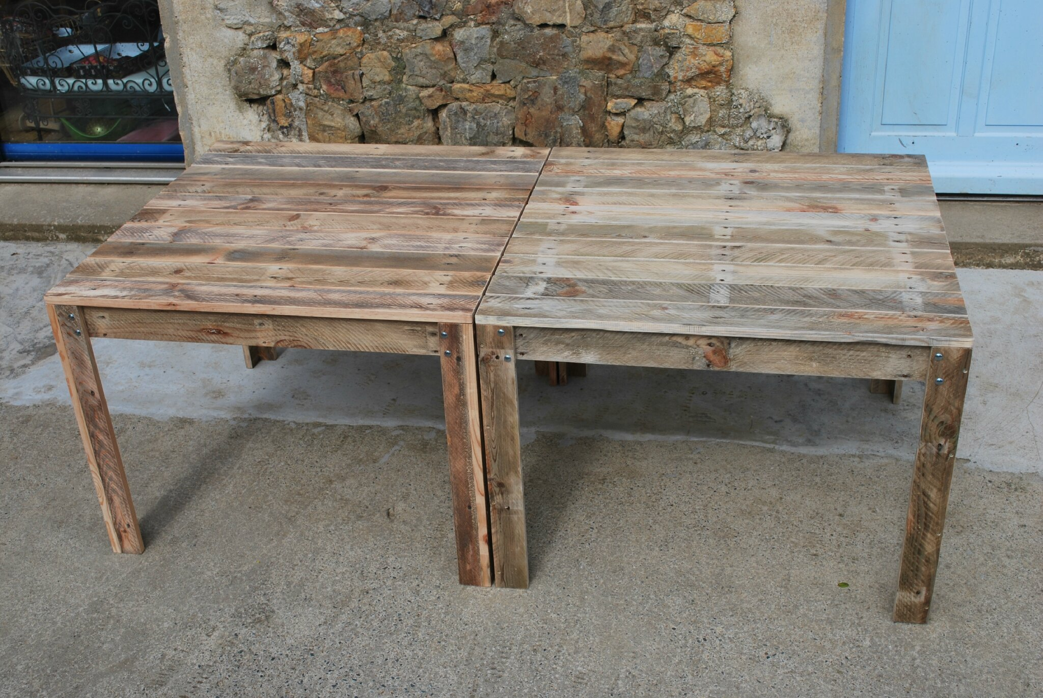 Table de jardin en palette au bout du bois for Creer une table de jardin