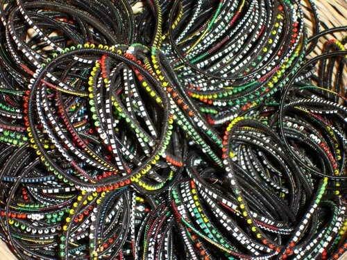 lot-de-10-bracelet-plastiques-avec-perles