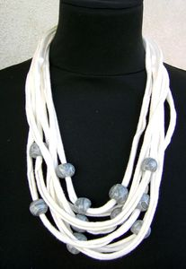 collier trap beige gris2
