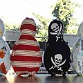 jeux de quilles en tissu pirates, handmade pirate fabric bowling set (3)