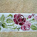 drap de bain motif roses roses