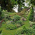 Trois petits tours dans le jardin d'andré ève...