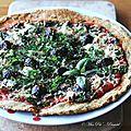 Pizza croquante aux herbes et aux graines