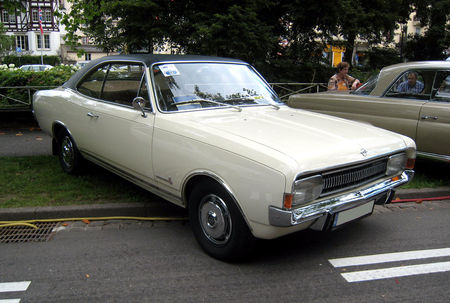 Opel_commodore_01
