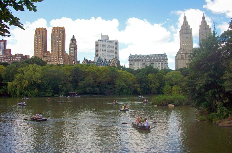Central_Park_West_buildings_over_Lake