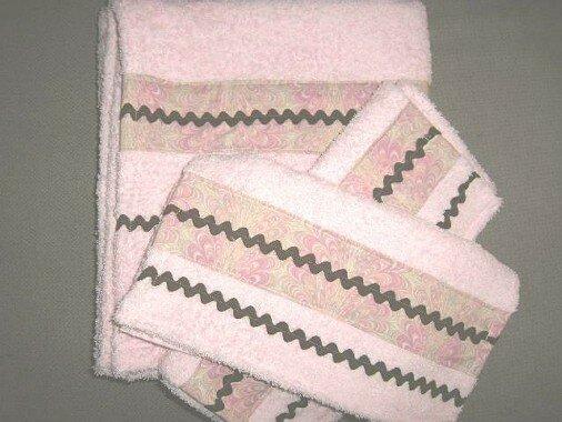 serviettes de toilette et drap de bain assortis