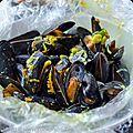Moules en papillote au safran et curcuma frais