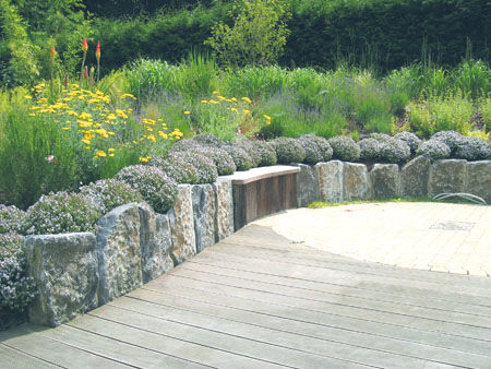 Le Jardin Libre Photo De A Terrasse En Bois Pierres Et Nature