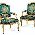 Paire de fauteuils à dossier plat en bois sculpté et redoré d'époque louis xv, estampillée i. desestre - sotheby's